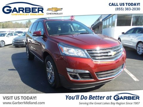 Pre-Owned 2017 Chevrolet Traverse LT w/1LT AWD