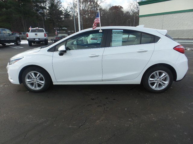 Pre-Owned 2018 Chevrolet Cruze LT Auto